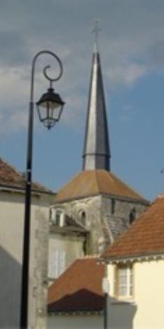 """image """"clocher tors de Coussay-les-bois"""""""